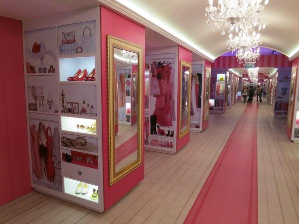 Barbie Ankleidezimmer